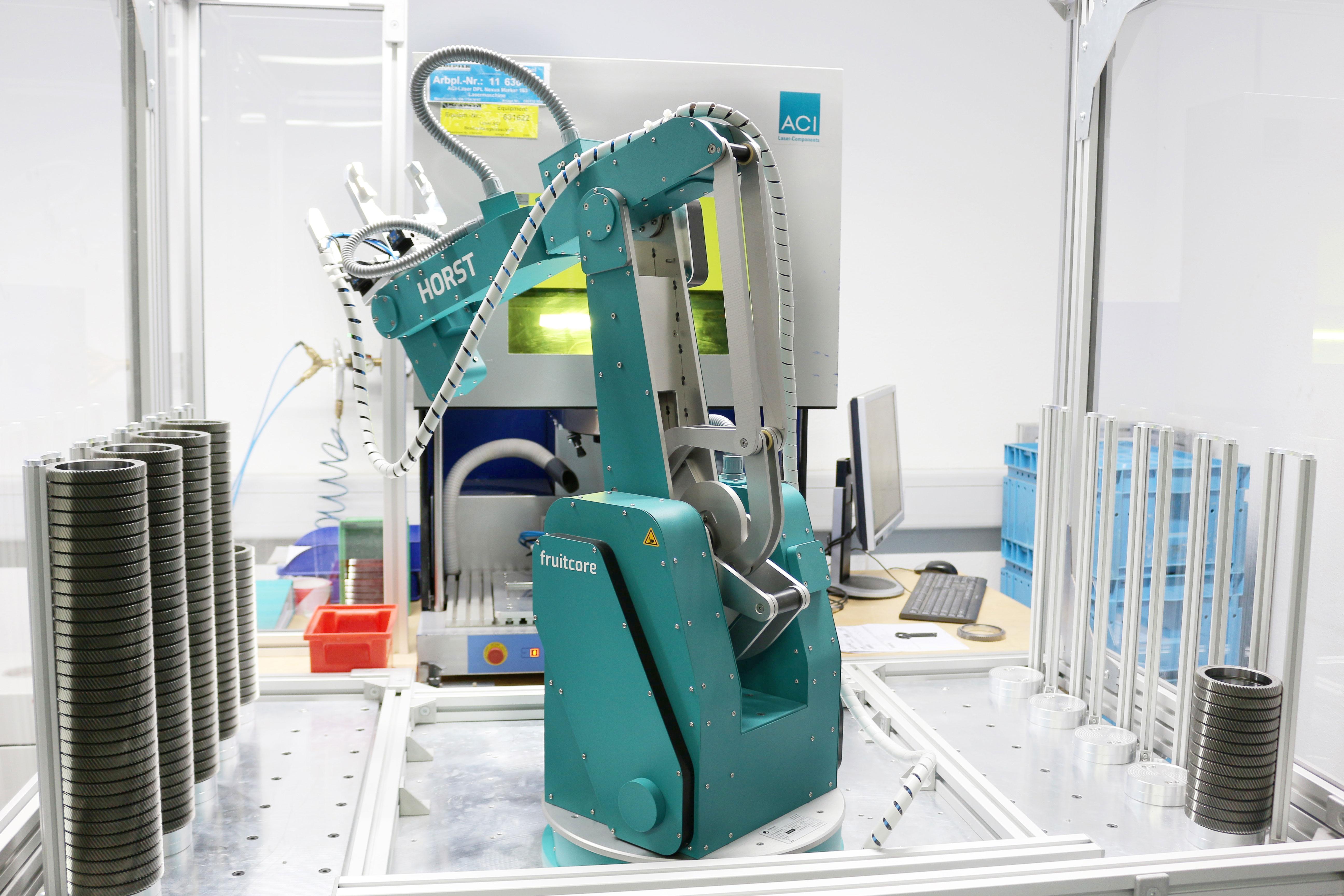 fruitcore robotics - Industrieroboter HORST bei Koepfer